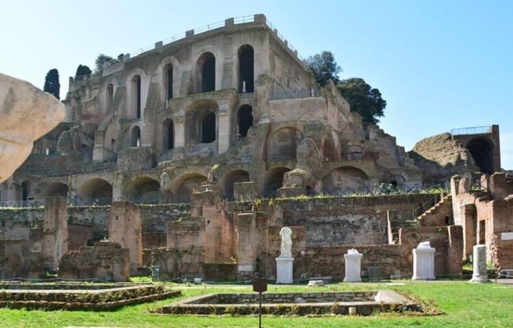 Дворец на холме «Палатин»